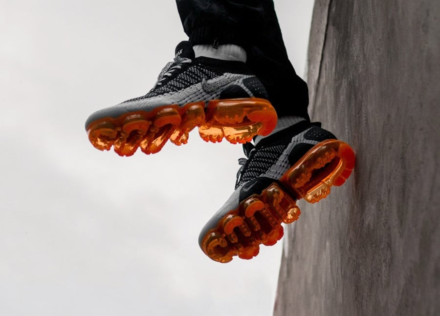 Nike Air Vapormax 2 FK Animal noire grise et orange on feet (2)