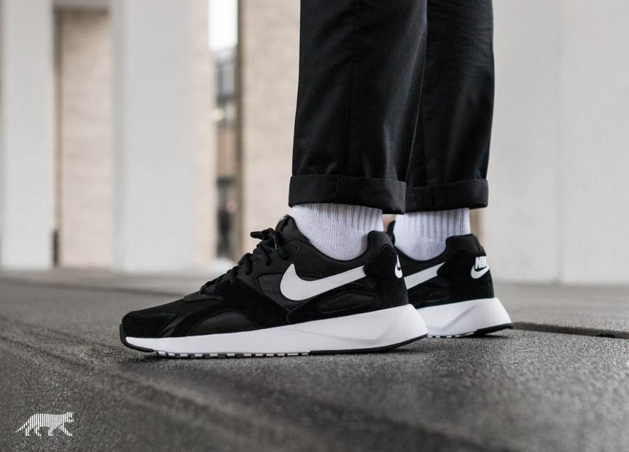 Nike Pantheos noire pas cher