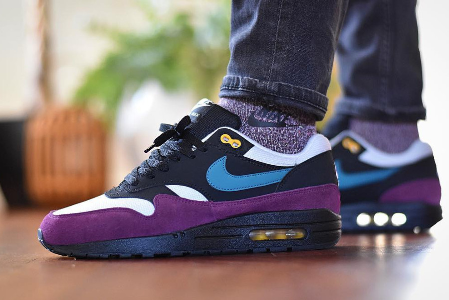 Nike Wmns Air Max 1 'Black Geode Teal Bordeaux'