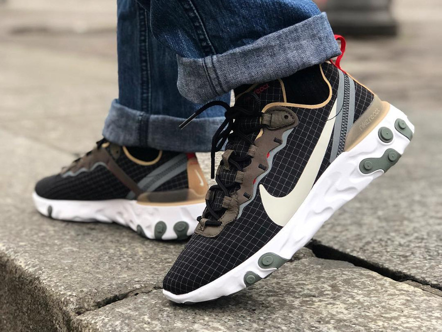 Nike React Element 55 Escape Exclusivité Size