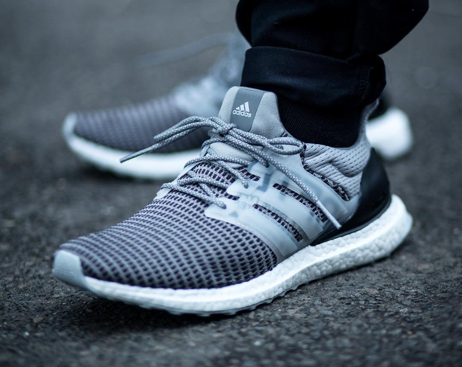 adidas-ultraboost-rbl-grise-undftd-on-feet