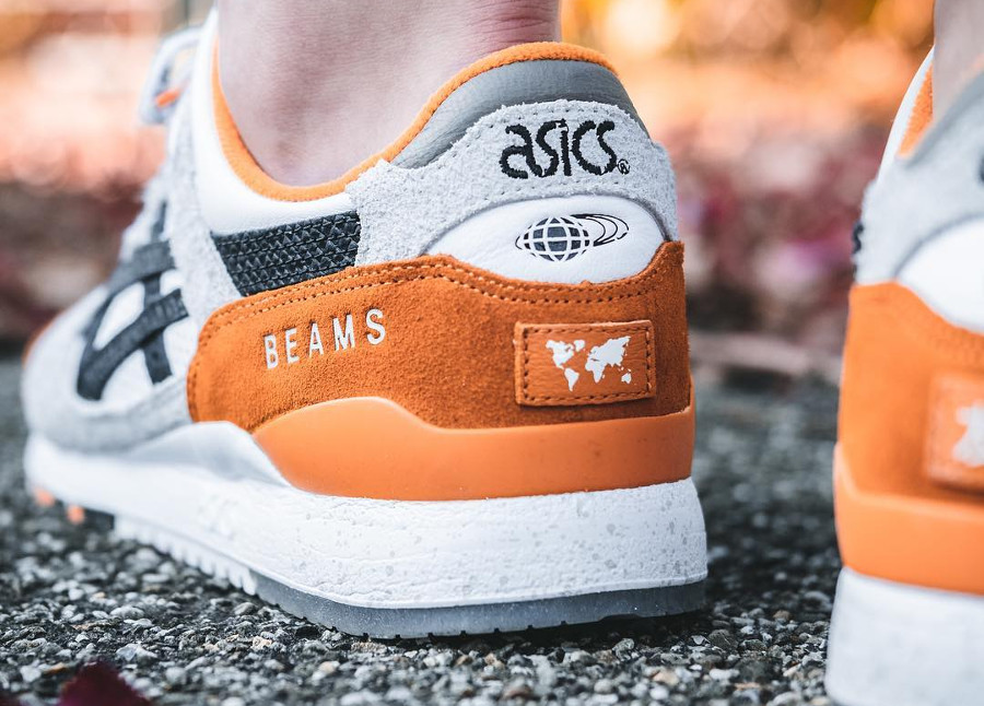 asics-gel-lyte-iii-carpe-japonaise-blanche-noire-et-orange-on-feet (2)