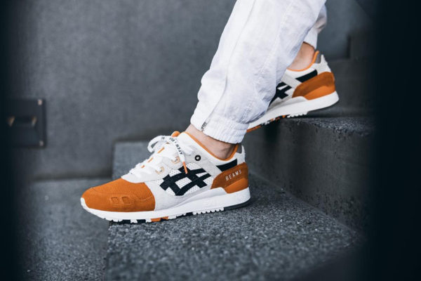 asics-gel-lyte-iii-carpe-japonaise-blanche-noire-et-orange-on-feet (5)