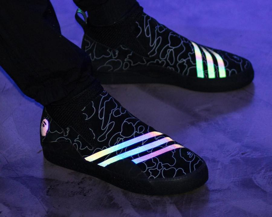 bape-adidas-consortium-3st-0002-réfléchissante-avec-print-camouflage-on-feet