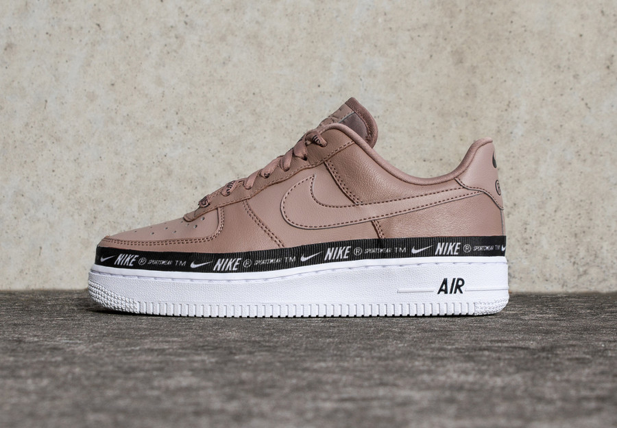 nike air force 1 se rose