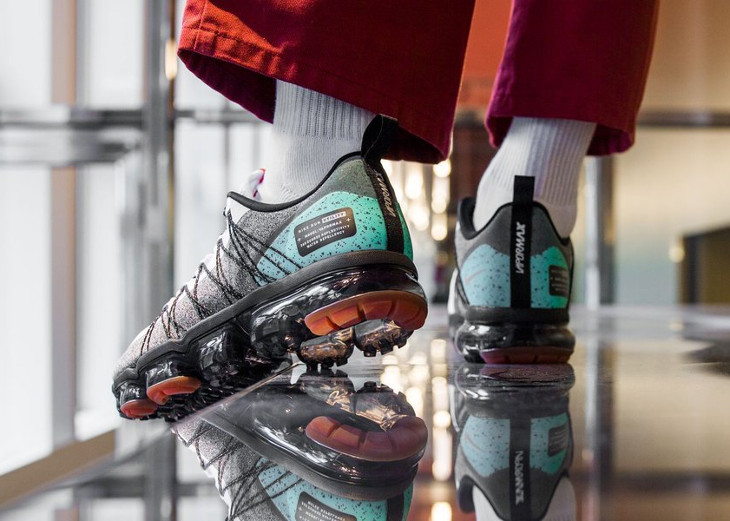 nike-air-vapormax-run-utility-blanche-grise-et-turquoise-on-feet (0)