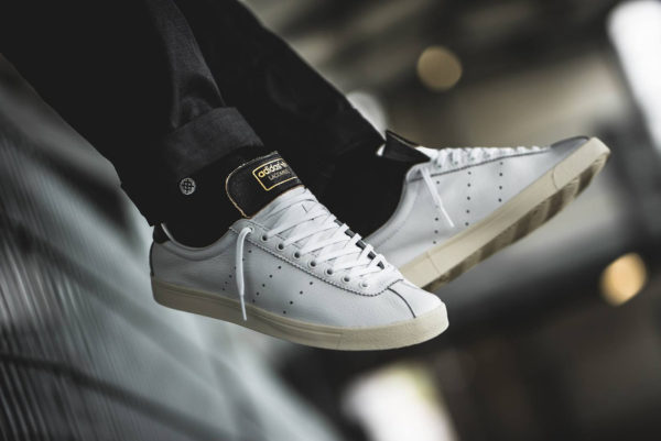 Adidas Lacombe FTWR Chalk White Core Black (2)
