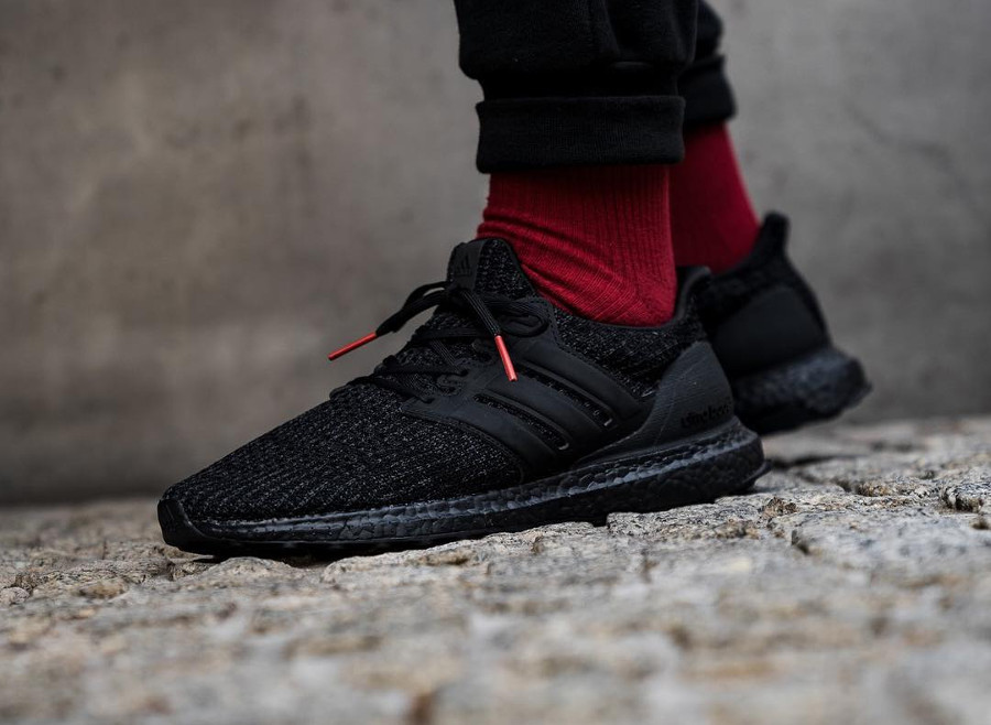 Adidas UltraBoost 4.0 'Core Black Active Red' (Boost Week)