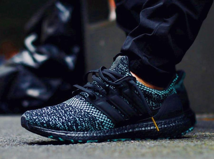 Adidas UltraBoost Xmas Carol Core Black True Green Gold on feet (1)