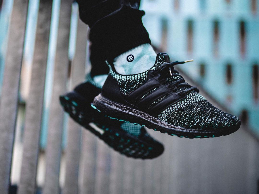 Adidas UltraBoost 'Xmas Carol' Black True Green