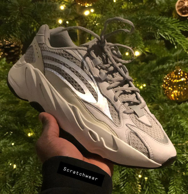 Adidas Yeezy Boost 700 V2 grise Static Reflective (1)