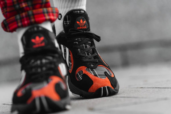 Adidas Yung-1 Plaid Tartan Pack gris et orange (Solid Grey) (1)