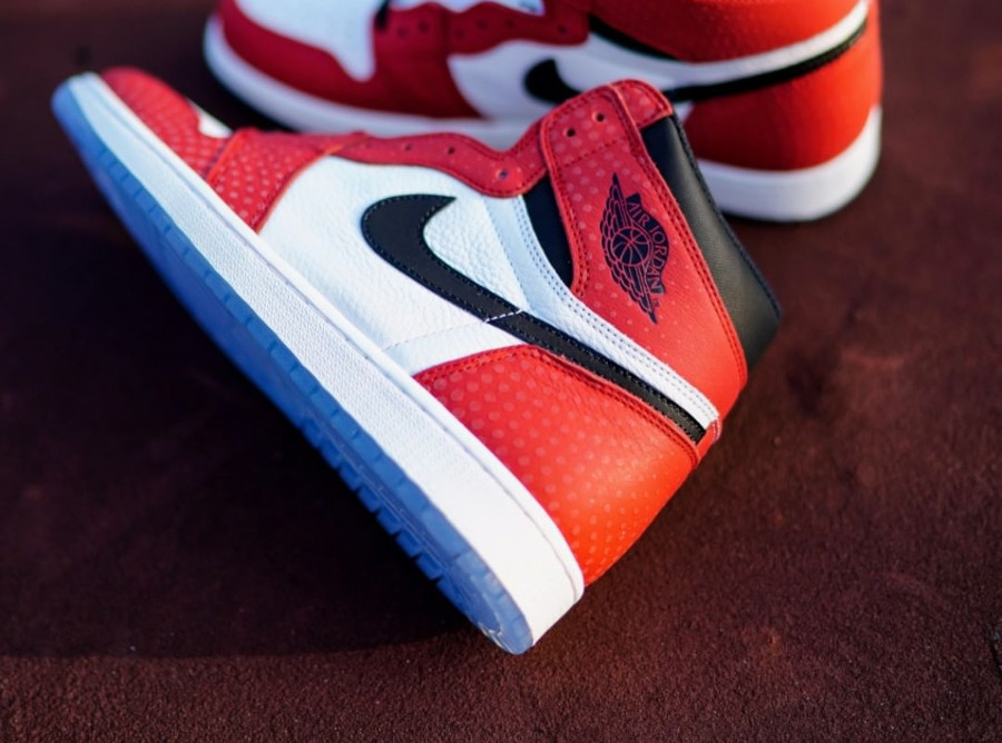 Spider-Man x Air Jordan 1 Retro Hi OG 'Origin Story' (Crystal Chicago)