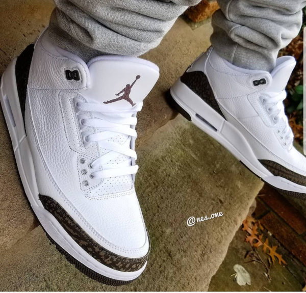 Air Jordan 3 Retro 'White Dark Mocha Chrome' 2018 (2)