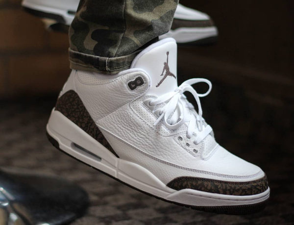Air Jordan 3 Retro 'White Dark Mocha Chrome' 2018 (3)