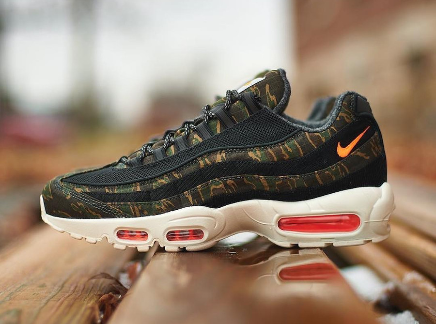 Nike Carhartt Work in Progress Air Max 95 Premium Black Orange (2)