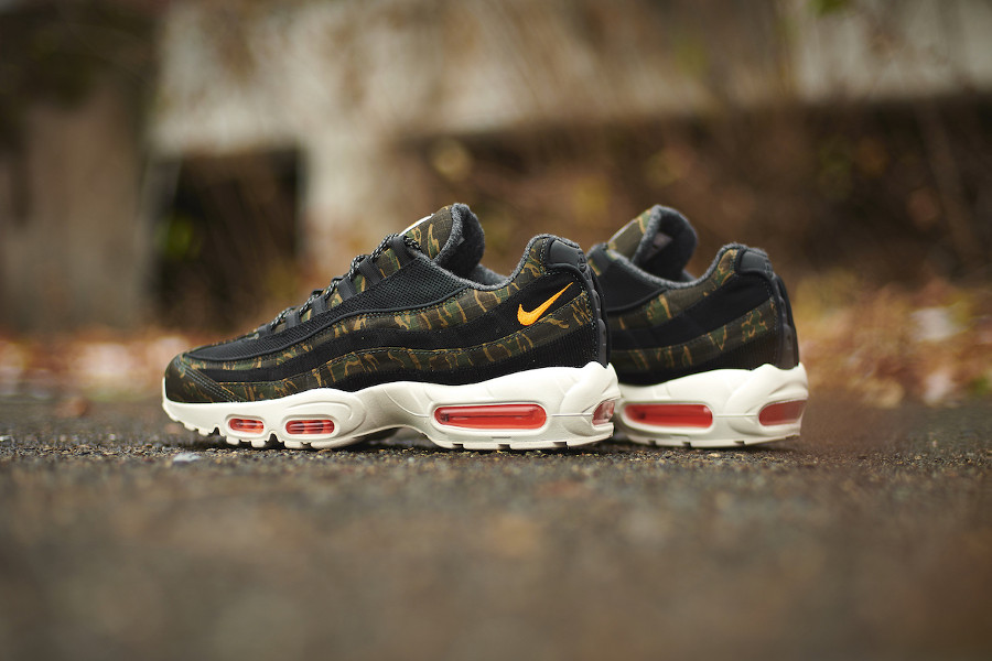 Carhartt-Work-in-Progress-x-Nike-Air-Max-95-Premium-Black-Orange-3
