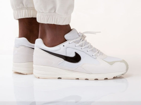 Fear of God x Nike Air Skylon II blanche White Sail Light Bone (1)