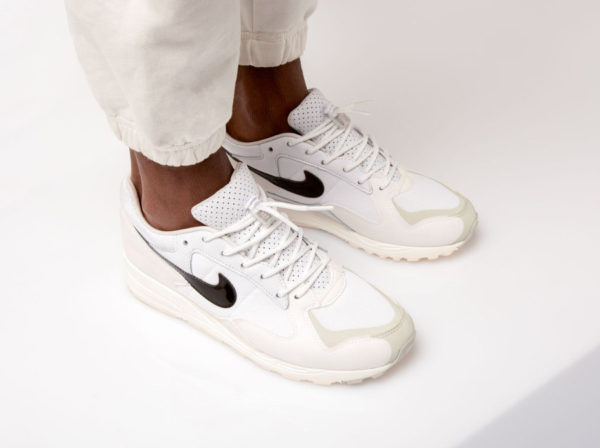 Fear of God x Nike Air Skylon II blanche White Sail Light Bone (2)