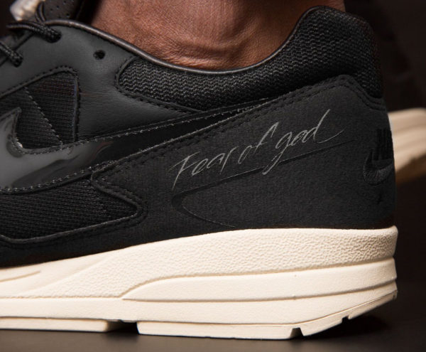 Fear of God x Nike Air Skylon II noire Black Sail Fossil (1)
