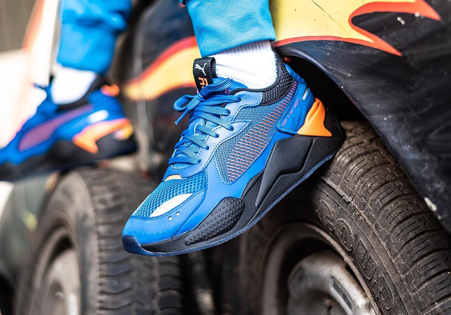 Hot Wheels x Puma RS-X Toys bleu Bone Shaker (3)