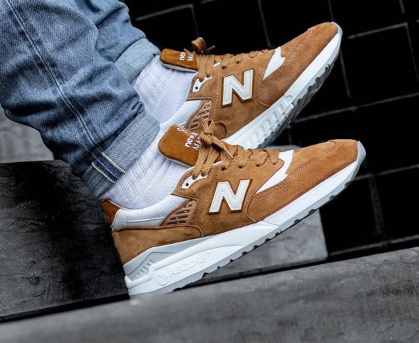 New Balance M 998 TTC  saim marron pour homme on feet  (2)