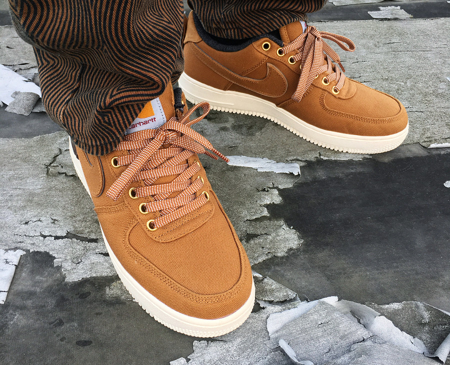 Nike Air Force 1 '07 PRM Carhartt WIP marron Hamilton Brown on feet (1)