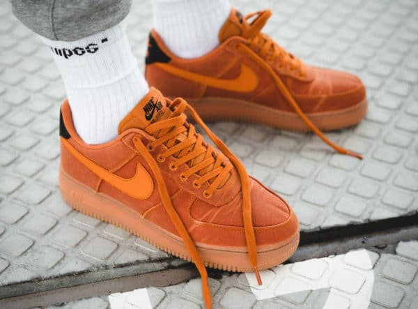Nike Air Force 1 homme '07 LV8 Style Monarch Orange Gum (couv)