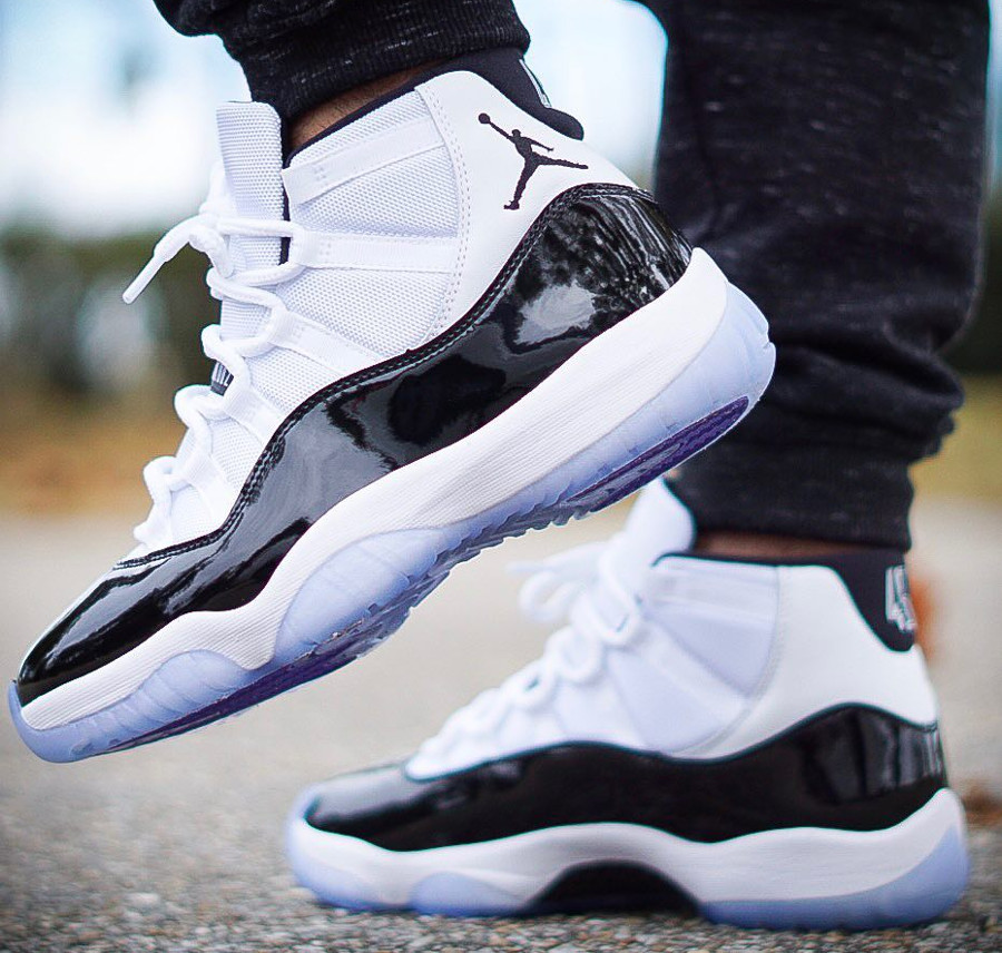 Nike Air Jordan 11 Concords 2018 blanche et noire on feet (2)