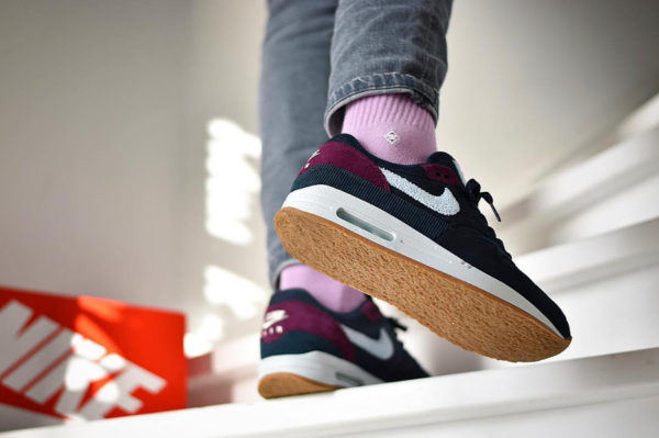 Nike Air Max 1 Premium 'Crepe' Dark Obsidian Cobalt Tint Ocean Bliss on feet (1)
