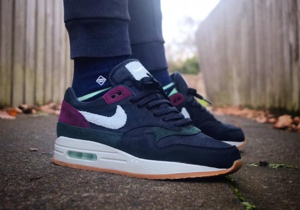 Nike Air Max 1 Premium 'Crepe' Dark Obsidian Cobalt Tint Ocean Bliss on feet (2)