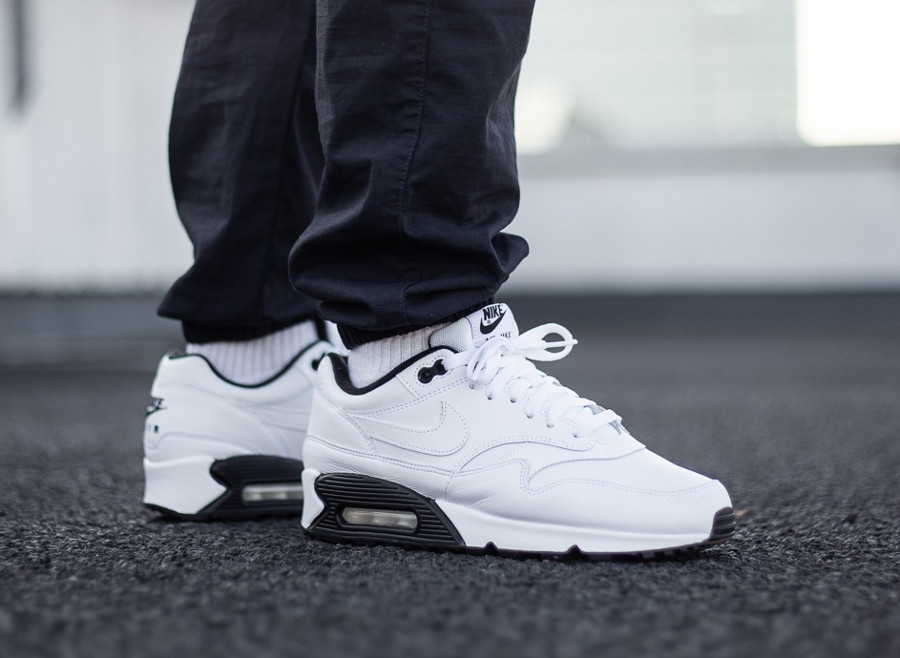 Nike Air Max 90 1 White Black blanche noire pas cher (AJ7695-106)