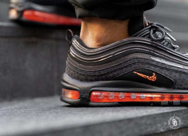 Nike Air Max 97 SE Reflective  Safari noire et grise (2)