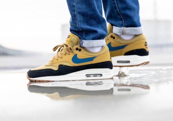 Nike Air Max One homme jaune moutarde bleue et noire (2)