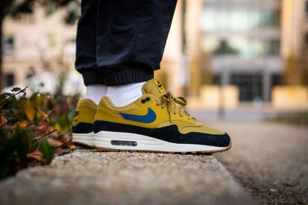 Nike Air Max One homme jaune moutarde bleue et noire (5)