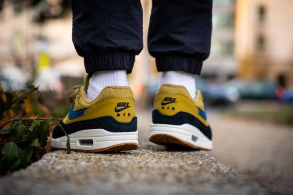 Nike Air Max One homme jaune moutarde bleue et noire (6)