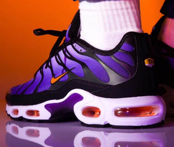 Nike Air Max Plus OG 'Voltage Purple Total Orange' 2018 on feet (2)