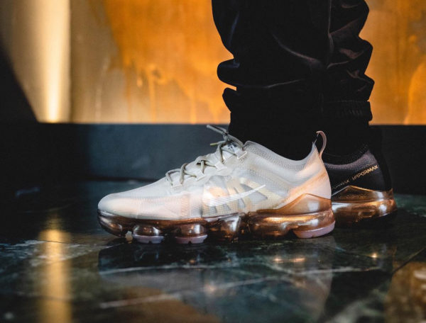 Nike Air Vapormax 19 femme White Metallic Gold'