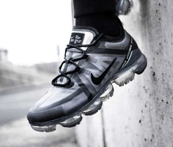 Nike Air Vapormax 2019 Nexkin noire Triple Black on feet