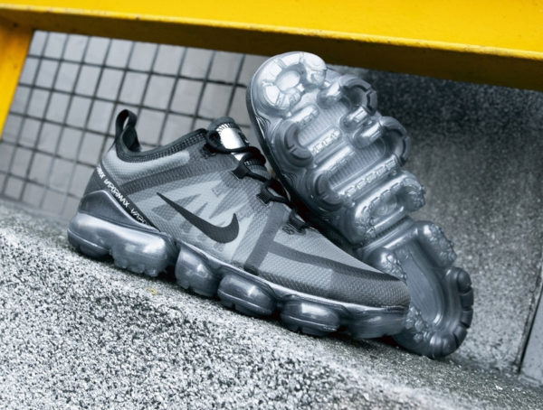 Nike Air Vapormax 2019 Triple Black (2)