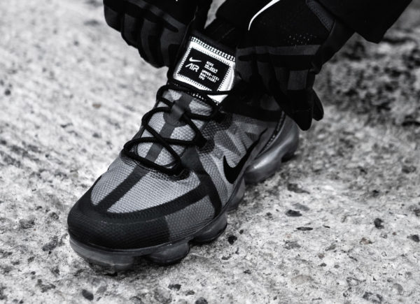 Nike Air Vapormax 2019 Triple Black (couv)