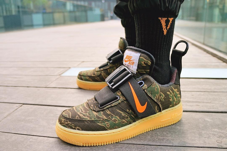 new list fashion style order Avis] Nike Air Force 1 Utility PRM Carhartt WIP Camo Tiger Gum