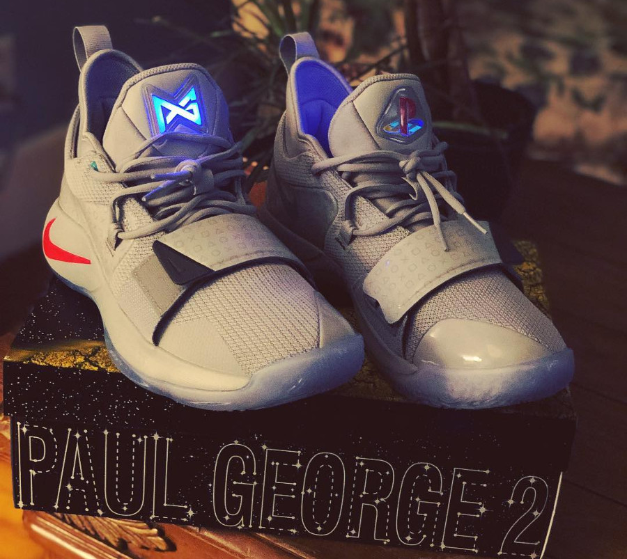 Nike Playstation Paul George 2.5 grise (2)