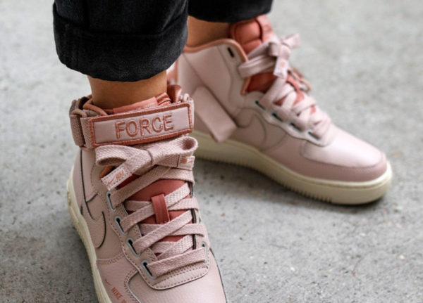 Nike Wmns Air Force 1 High Utility Rose Particle Beige on feet