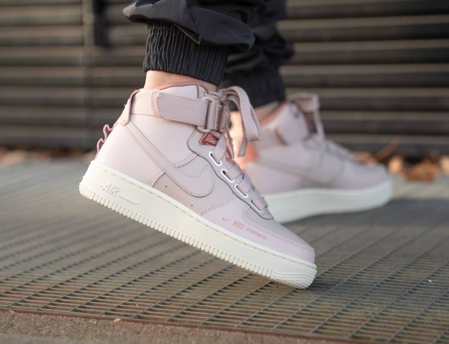 Nike Womens Air Force One Utility rose et beige (3)