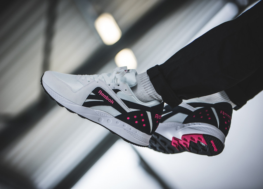 Reebok Pyro White Night Navy Pink Fusion (2)