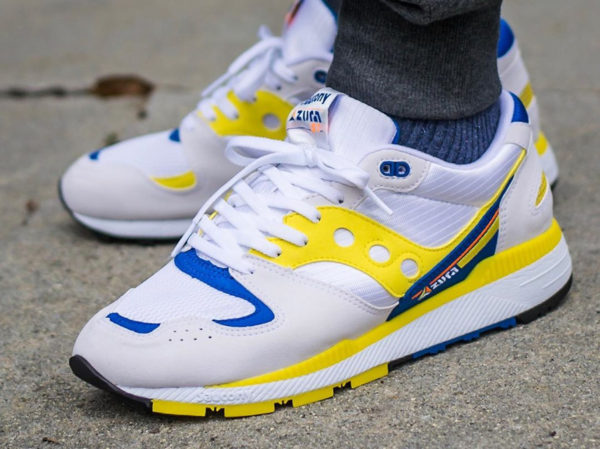 Saucony Azura OG 2018 White Yellow Blue on feet (1)