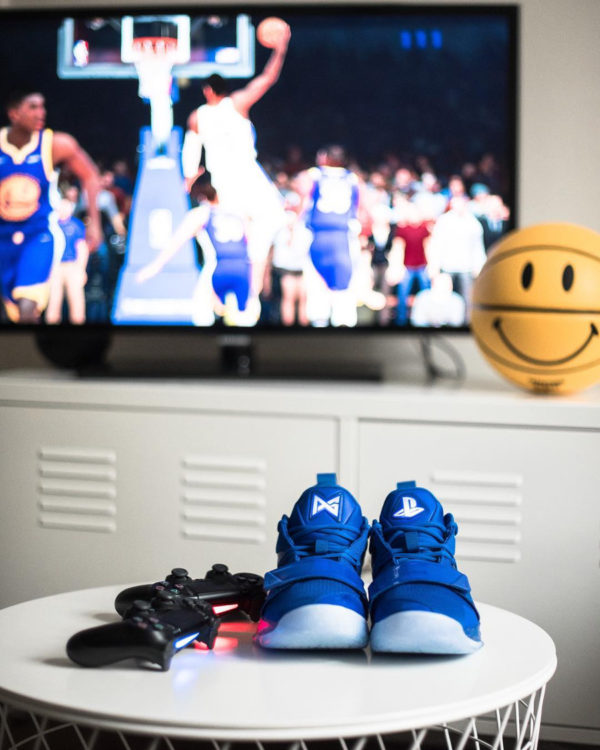 Sony x Nike 2.5 Playstation 4 bleue (1)