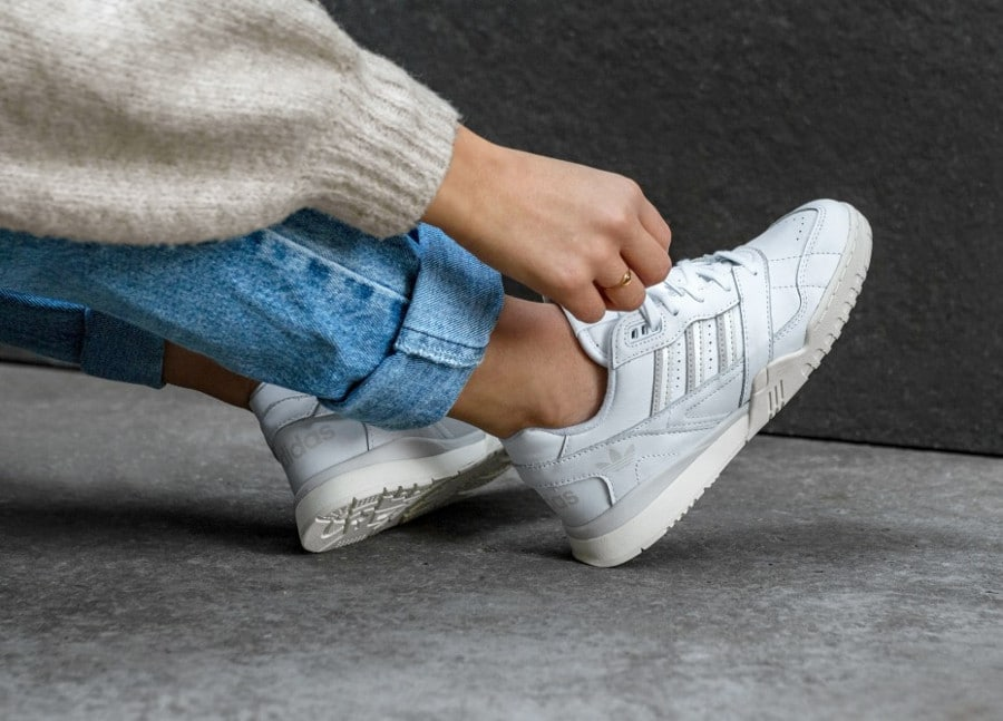 Adidas A.R. Trainer 'FTWR White Raw White Off White' (2)
