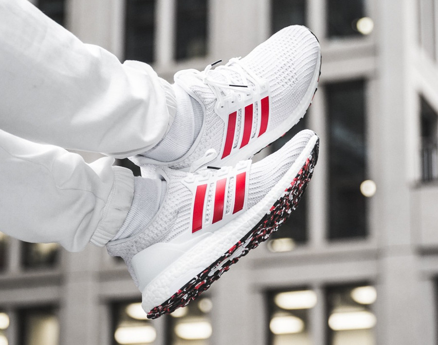 Adidas UltraBoost 4.0 blanche et rouge (effet marbre) (4)